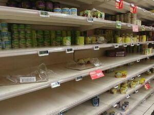 عکس/ غارت فروشگاههای ایتالیا بعد از شیوع کرونا