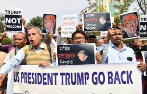 عکس/ استقبال متفاوت هندیها از ترامپ