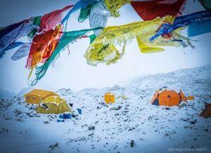 پایان تلاشها برای صعود زمستانی به اورست +عکس