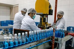 عکس/ تولید مواد ضدعفونی در کارخانه الکل قزوین