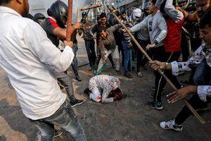 فیلم/ زجرکش کردن  مسلمانان در دهلینو
