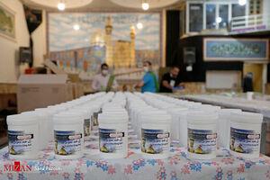 عکس/بسته بندی و توزیع بسته های ضدعفونی در دولت آباد تهران