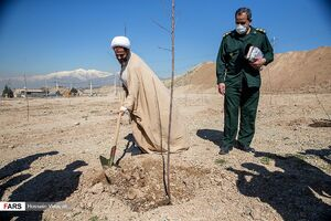 عکس/ مراسم درختکاری در دانشگاه افسری