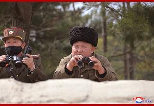 عکس/ حضور اون در آزمایش موشکی جدید کره شمالی
