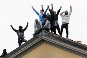 عکس/ شورش در زندانهای ایتالیا از جنس کرونا