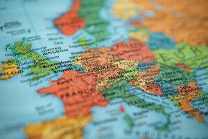 مرکل: ۶۰ تا ۷۰ درصد آلمانیها به کرونا مبتلا خواهند شد