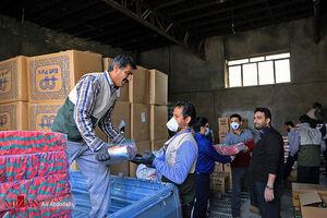 توزیع بسته های کمک معیشتی در مشهد