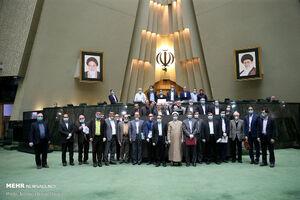 عکس یادگاری نمایندگان مجلس در سایه کرونا
