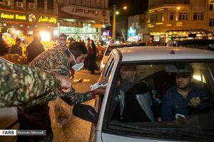 پخش ماسک توسط بسیجیان جنوب شهر تهران