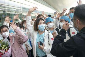 کادر پزشکی که برای درمان بیماران کرونا به استان هوبی چین سفر کرده بودند در حال بازگشت به خانه هستند.