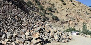 فیلم/ سقوط سنگ عظیمالجثه در سوادکوه