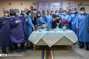 عکس/ تحویل سال در بخش کرونای بیمارستان بعثت
