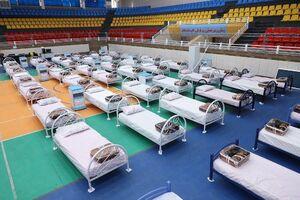 عکس/  تجهیز استادیوم دامغان برای مقابله با کرونا