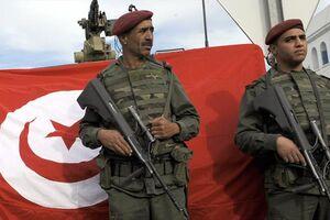 ارتش تونس برای جلوگیری از انتشار کرونا به خیابان آمد