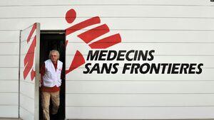 پیشنهاد مشاور وزیر بهداشت به پزشکان بدون مرز