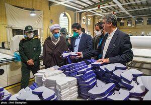 عکس/ بازدید امام جمعه شیراز از کارگاههای تولید اقلام بهداشتی