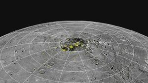 کشف میلیاردها تُن یخ روی نزدیکترین سیاره به خورشید +عکس