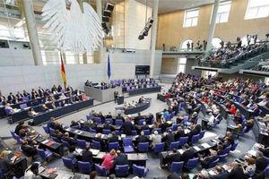 ادای احترام  پارلمان آلمان به کادر درمانی