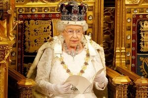 احتمال ابتلای ملکه انگلیس به کرونا قوت گرفت