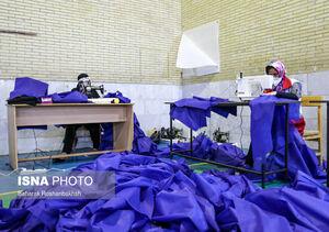 عکس/ کارگاه دوخت ماسک و گان در یزد