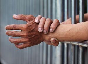 ماجراهای هولناک تبهکار زندانی! +عکس