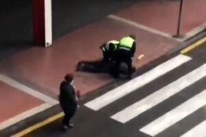 برخورد پلیس با نقض کننندگان قرنطینه در جهان