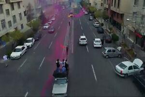 فیلم/ جشن تولد وسط خیابان، در روزهای کرونایی