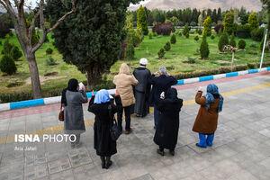 تصاویر دردناک از تدفین اجساد قربانیان کرونا