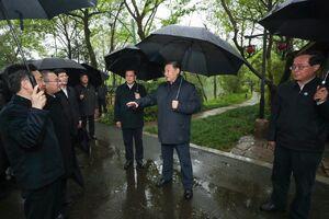 عکس/ رئیس جمهور به پارک رفت