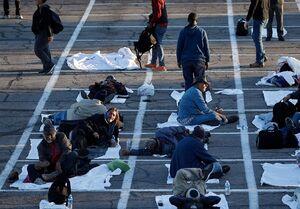 """""""اسکان در پارکینگ"""" راهحل آمریکا برای بیخانمانان +عکس"""