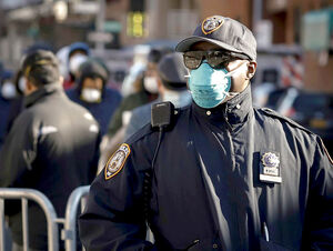۱۴۰۰ افسر پلیس نیویورکی به کرونا مبتلا شدند