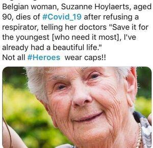 فداکاری بانوی ۹۰ ساله در بستر بیماری کرونا +عکس