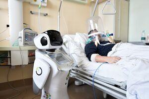 عکس/ ربات پرستار در ایتالیا