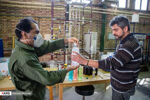 عکس/ تولید الکل توسط جهاد گران دانشگاه