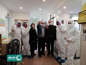 عکس یادگاری پزشکان بهبود یافته از کرونا