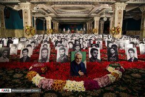 عکس/ دعای کمیل محمود کریمی با میهمانهای ویژه
