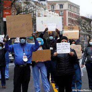 عکس/ اعتراض کادر درمانی بیماران کرونایی