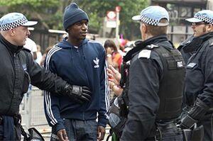 فیلم/  تبعیض قومیتی در انگلیس «اقلیتهای قومی» را به دام کرونا انداخت