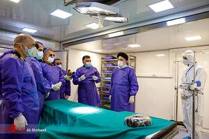فیلم/ بازدید حجتالاسلام رئیسی از بیمارستان سیار تخصصی سپاه