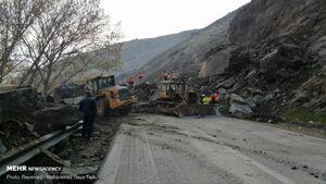 فیلم/ریزش کوه و تخریب مدرسه کانکسی در آستارا