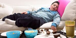 چگونه در منزل بمانیم و چاق نشویم؟