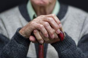 فیلم/ ضرب وشتم ناجوانمردانه سالمند آمریکایی!