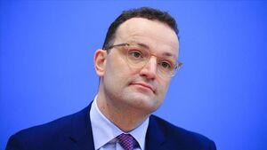 عکس/ فاصلهگذاری اجتماعی به سبک وزیر آلمانی!