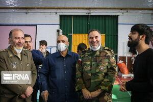 عکس/ بازدید فرمانده ارتشی از فعالیت جهادیها