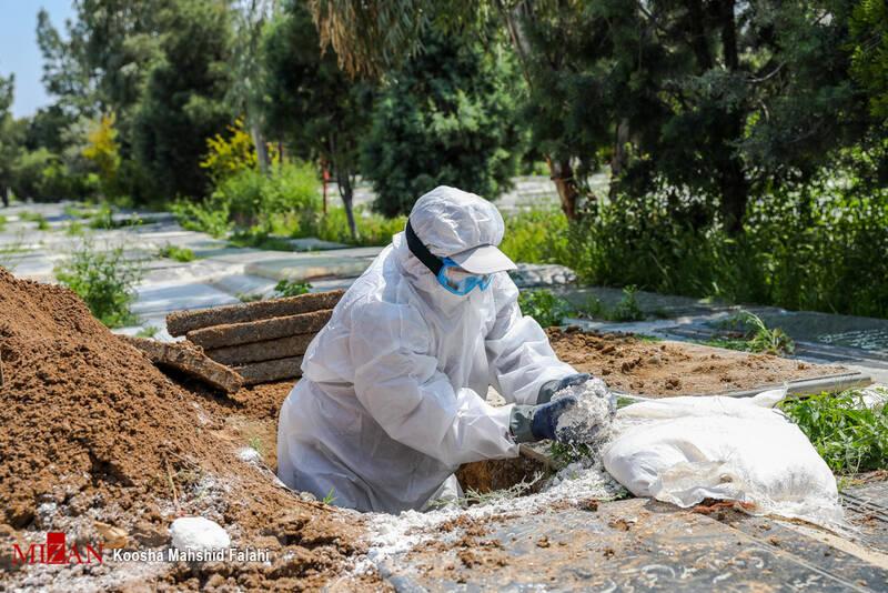 کرونا پرونده ختمهای لاکچری را بست؟/ تشییع جنازه غربیانه چهارنفره