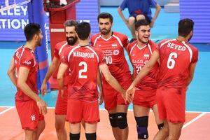 کسی با حقوق روزی ۶۰ هزار تومان برای حضور در تیم ملی رغبت ندارد/ آوردن مربی ایرانی برای والیبال فقط با حمایت فدراسیون جواب میدهد