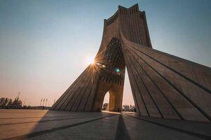 پرچم لبنان بر برج آزادی تهران +عکس