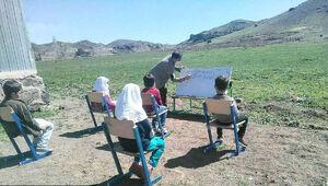 عکس/ معلم فداکار روستایی در مشگین شهر