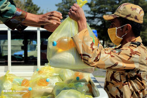 عکس/ قرار همدلی ارتش با مردم