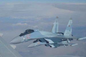 تقابل جنگنده روسی با هواپیمای جاسوسی آمریکا بر فراز مدیترانه